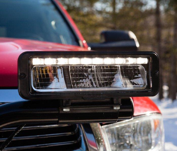 Winterdienstzubehör für Fahrzeuge wie Schneedeflektoren und Fahrwerksfedern