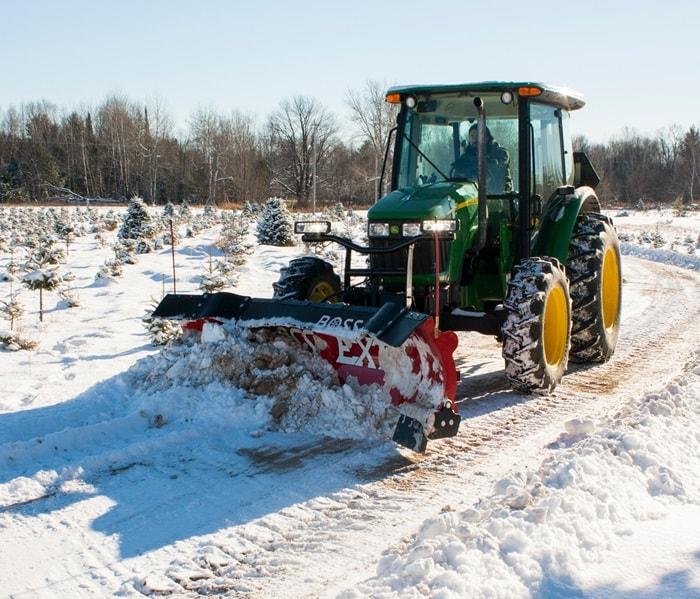 Traktor Schneepflug   Traktor Schneeschild
